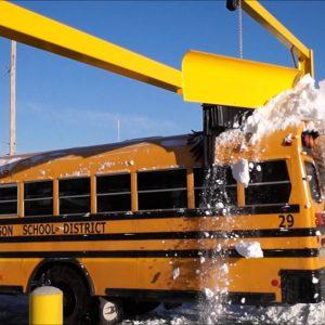 Système de déneigement pour autobus